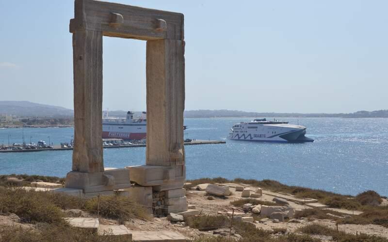 Řecko, Naxos, Portara